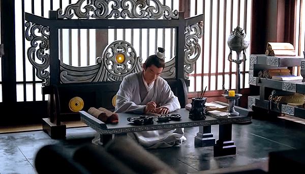 Mei Changsu writing a letter
