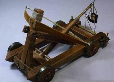 Stone hurling machine