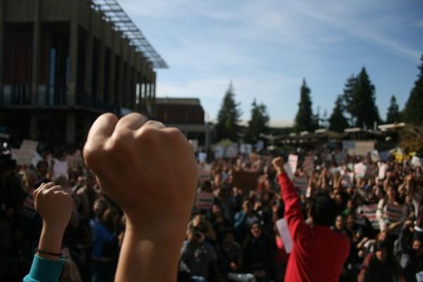 11.10.protest.VIGNET2 2