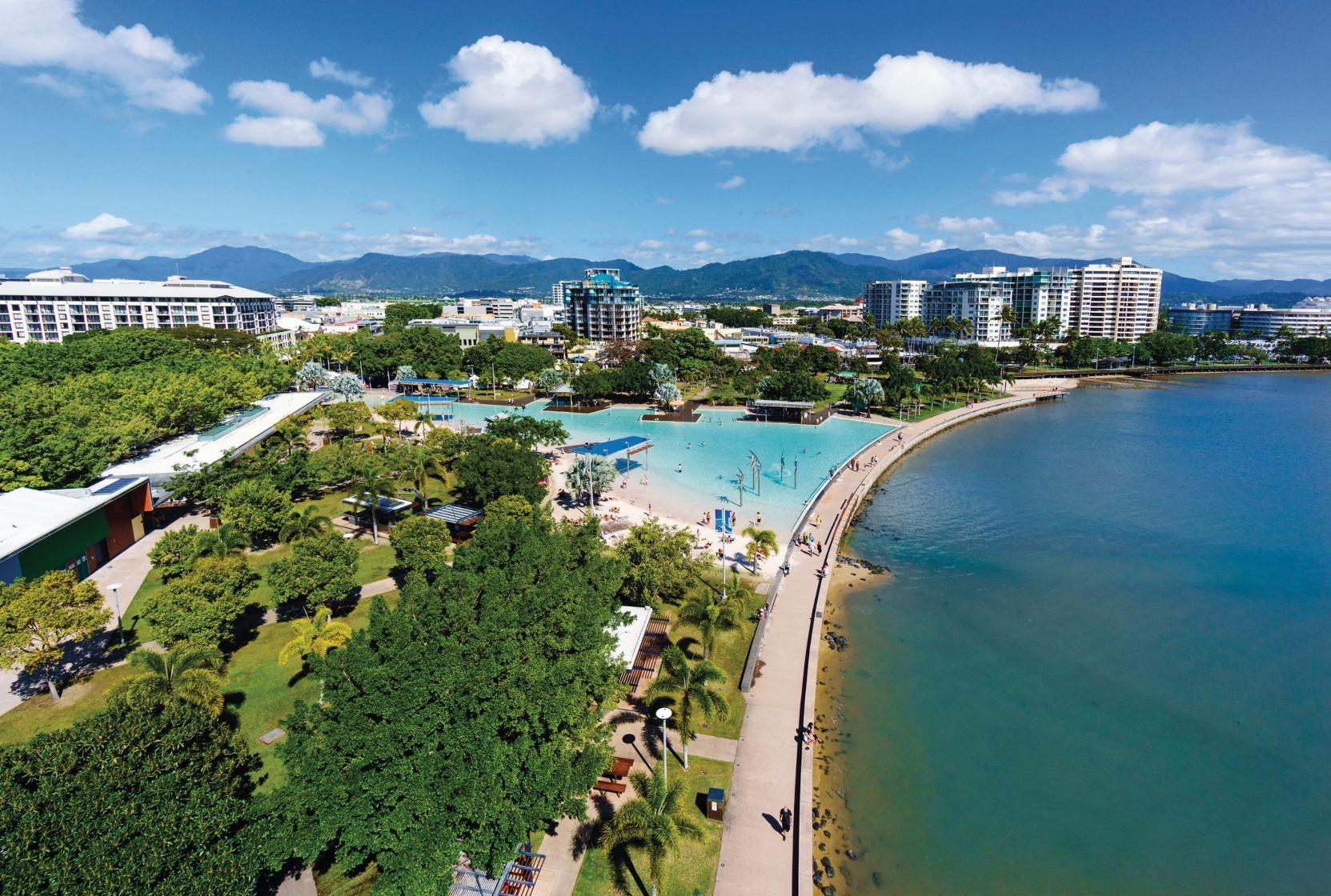 Top 4 Reasons Why You Should Visit Cairns