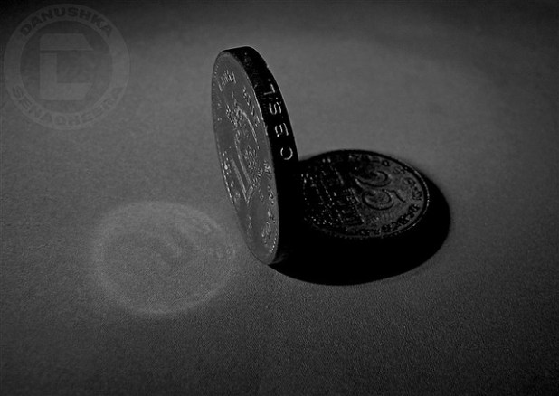 Shadow value of Sri Lanka's national currency, the rupee, has been on constant decline. (Photo by Danushka Senadheera, Creative Commons License)