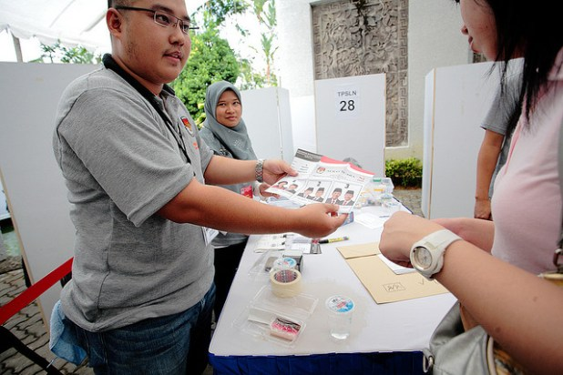 A series of surveys have shown that Indonesia's forthcoming electoral participation rate may slump to below half. (Photo  by yudzz88, Creative Commons License)