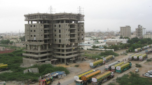 An under construction building in Karachi. (Photo by Sarah Stewart, Creative Commons License)