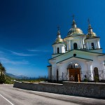 A church in Oreanda, Crimea. (Photo by Анатолий Крайников, Creative Commons License)