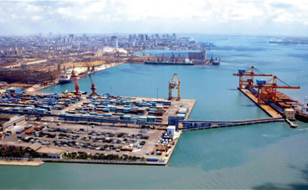 China will build more giant ports like this one in Guangdong in Africa and Asia (Image by baike, via thethirdpole.net)