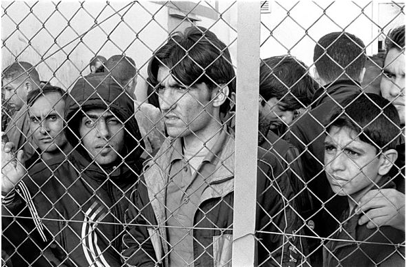 Arrested refugees-immigrants in Fylakio detention center, Evros, Greece, 2010. (Ggia under a Creative Commons Licence)