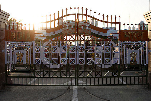 Border gates at Pakistan-India border near Lahore. (Photo by Owen Lin, Creative Commons License)