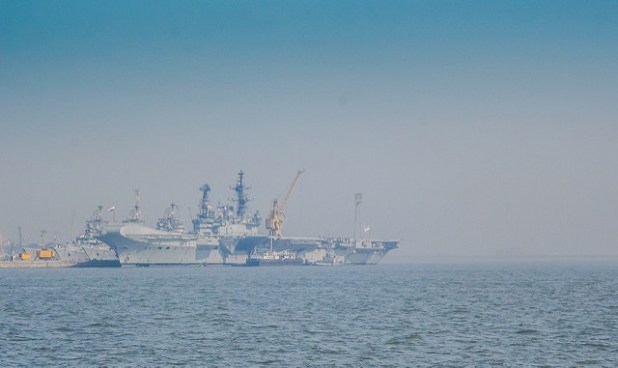 India's lone aircraft carrier INS Viraat. (Photo by Ashwin Kumar, Creative Commons  license)