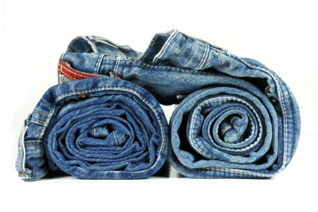 roll-clothes-packing