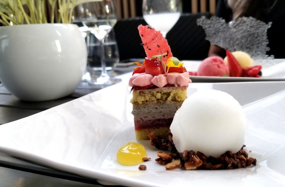 Dessert Toronto - Miku