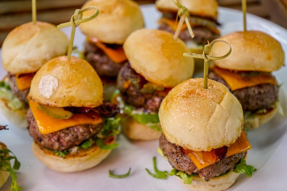 Bymark Burger - rose picnic 2018