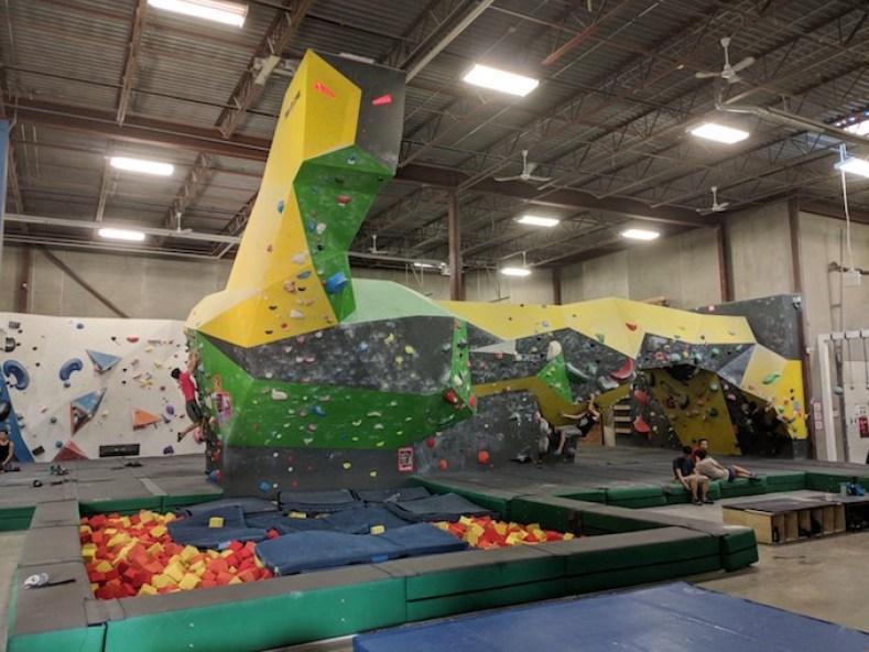 Hub Climbing in Markham - Rock Climbing and Bouldering | View the VIBE Toronto