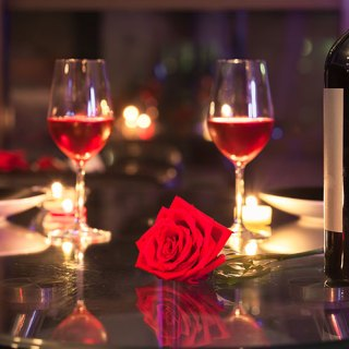 Toronto Date Night Hotspots | View the VIBE