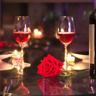 Toronto Date Night Hotspots | View the VIBE