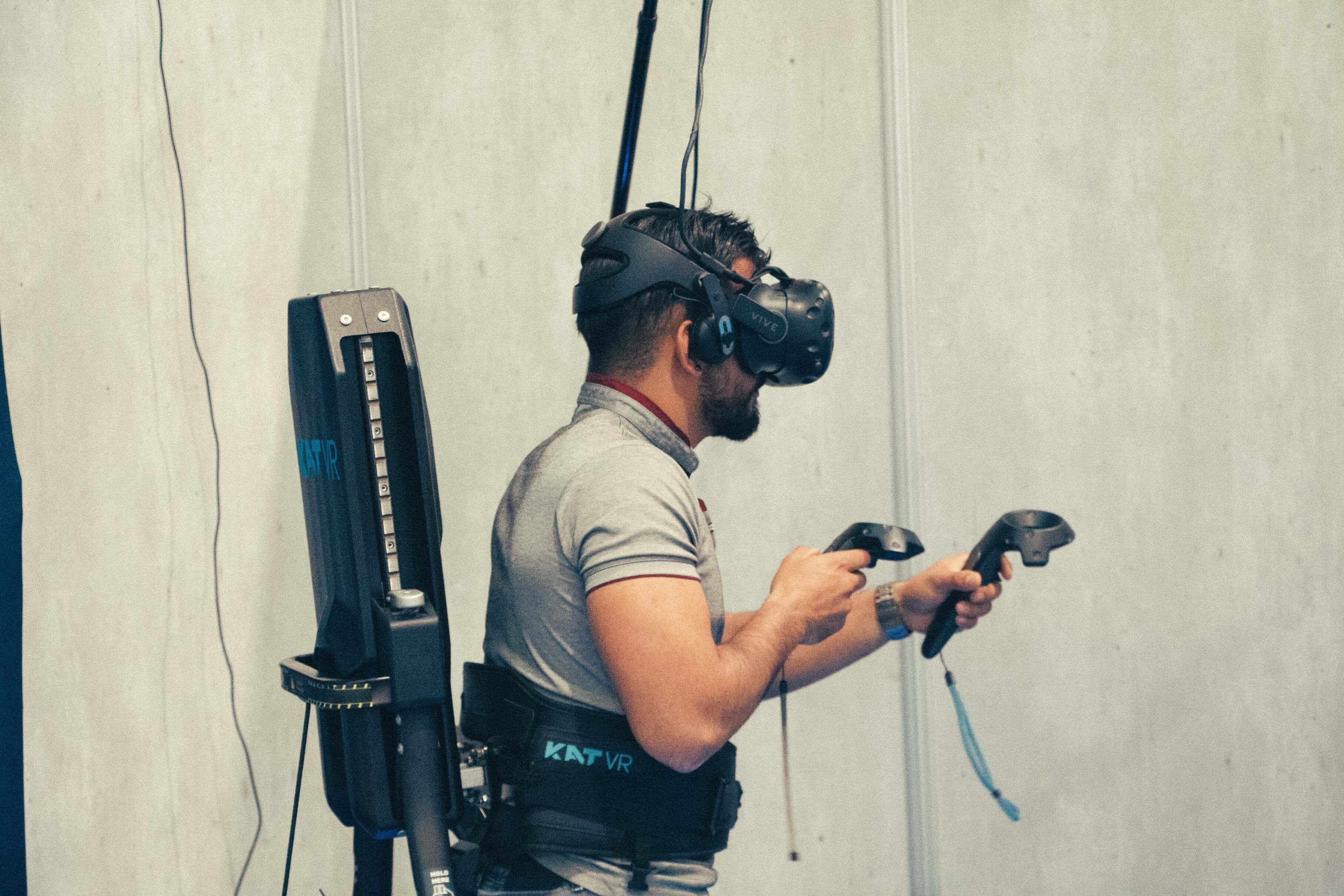 3 beneficios de usar el entrenamiento con realidad virtual en tu empresa
