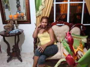 yennifer bisono sitting