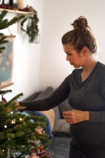 christmas-tree-classic-family-time-8