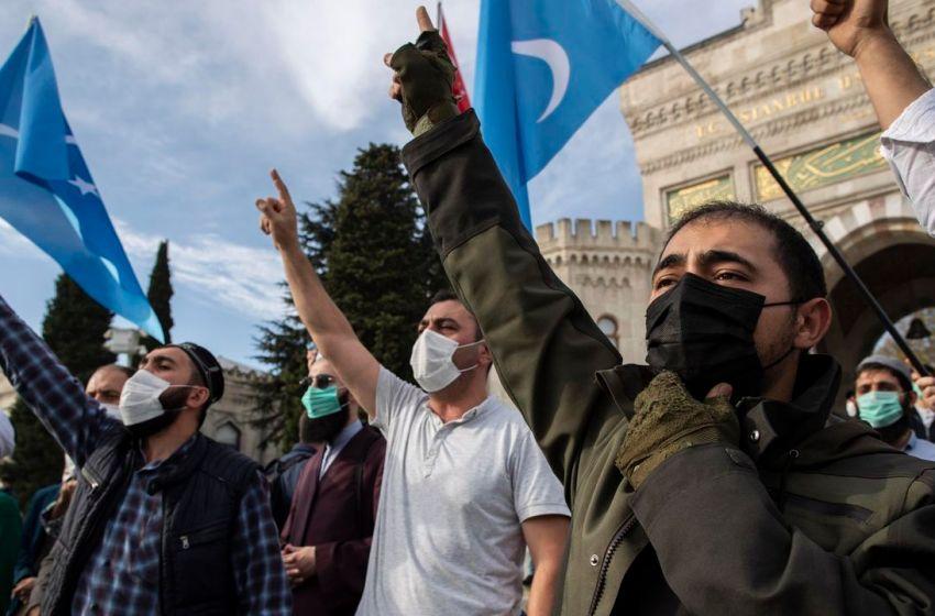 Francia prepara la disolución de dos asociaciones por integrismo islámico
