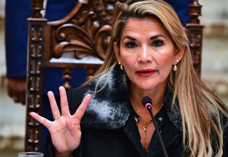 Presidenta boliviana pide investigación imparcial en acusación de genocidio