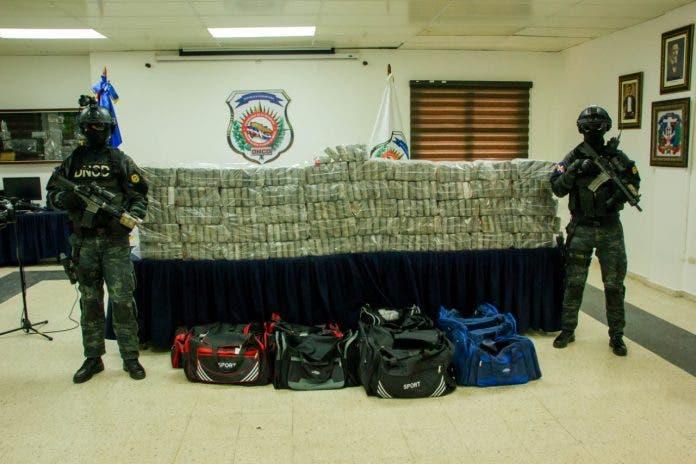 DNCD ocupa 306 paquetes de cocaína durante tiroteo en puerto Caucedo