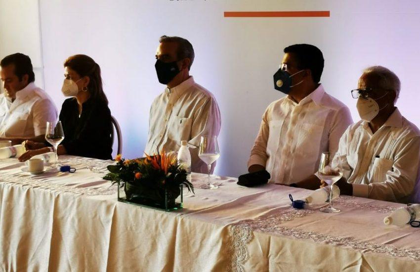 Presidente Abinader se reúne con inversionistas y hoteleros de Sosúa y Cabarete
