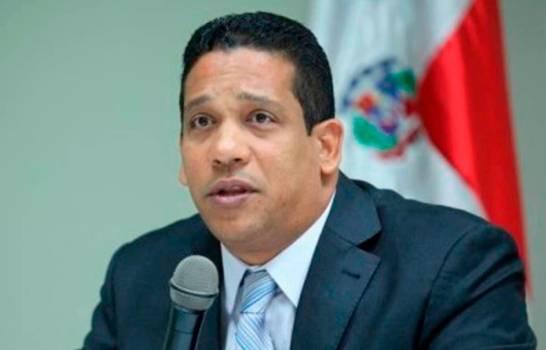 Director de Contrataciones Públicas afirma profundizará investigación sobre Kimberly Taveras