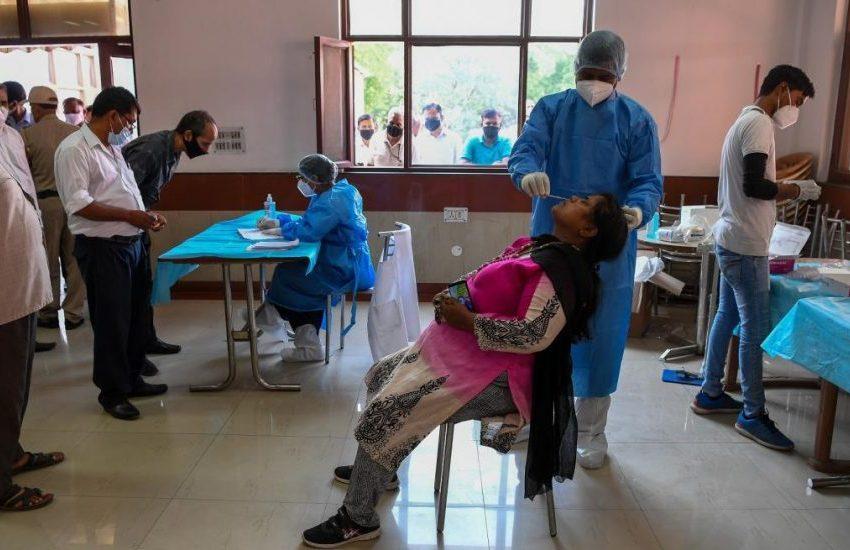 En la India el  coronavirus esta caliente, ya supera las 100,000 muertes
