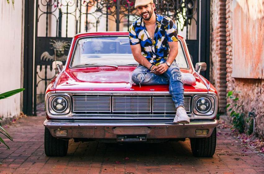 Manny Cruz dedica merengue a Santo Domingo