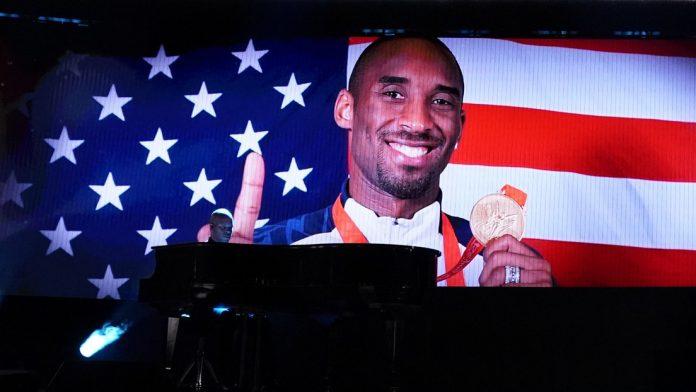 Kobe Bryant en lista de Forbes de celebridades fallecidas que más dinero ganaron en 2020