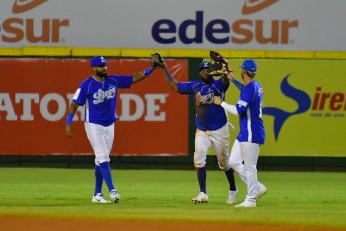 Tigres sacan sus garras otra vez frente a Leones en el Quisqueya y logran su 2da victoria