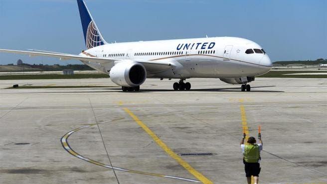 United Airlines empieza a transportar vacunas de Pfizer contra la Covid-19