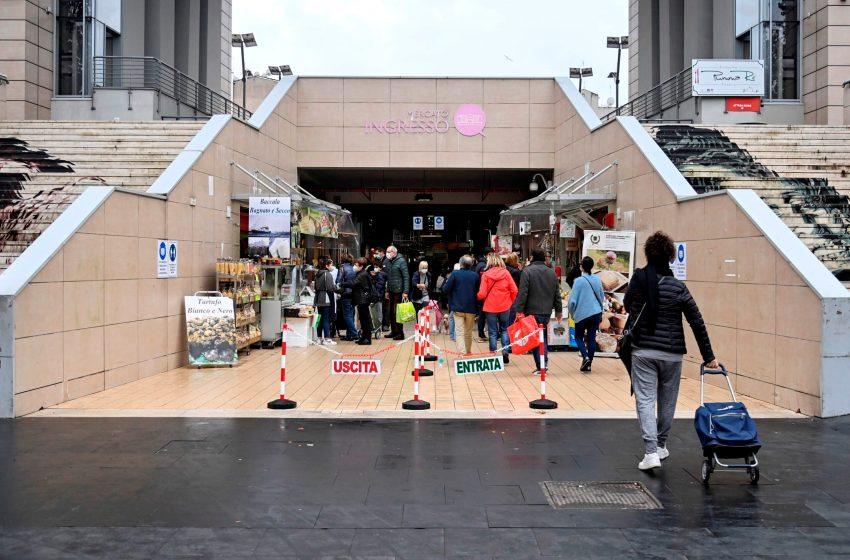 Italia suma 33.979 casos de covid y cree que circulaba en septiembre de 2019