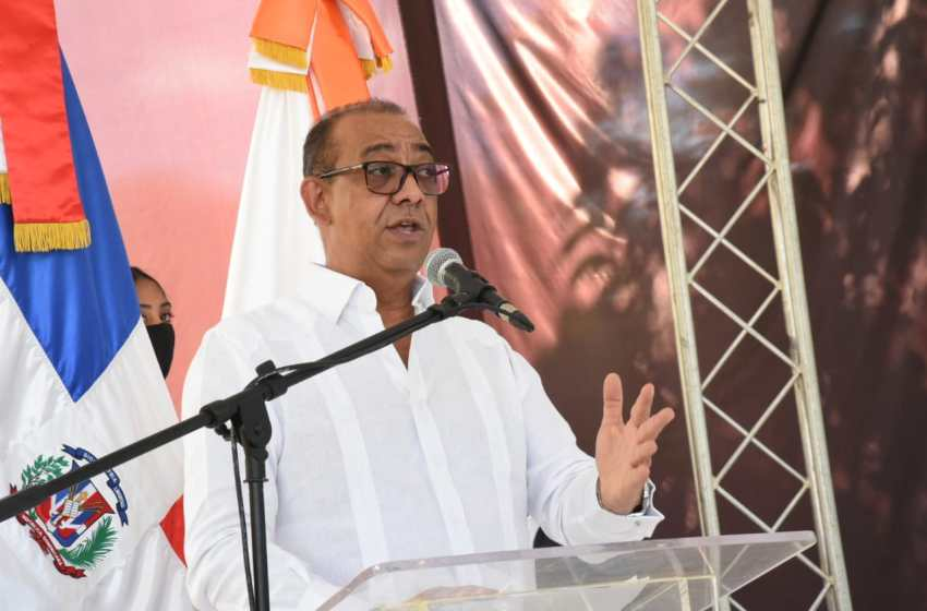 Ministro de Obras Públicas anuncia ampliación de la entrada a Samaná a un costo de 700 millones de pesos