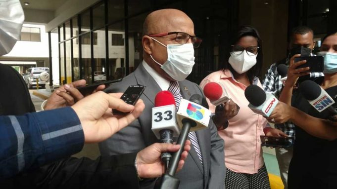 Pacheco pide a funcionarios nombrar a los perremeístas
