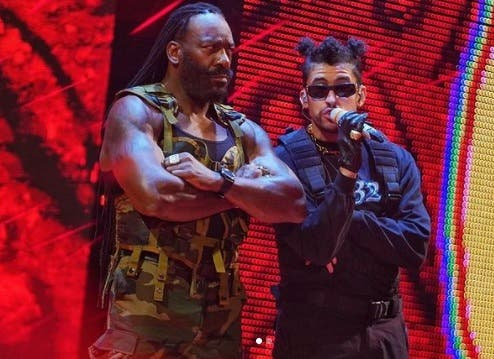 Bad Bunny se hace viral cantando en el Royal Rumble de la WWE
