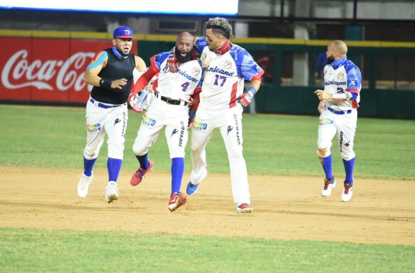 Águilas avanzan a la final de la Serie del Caribe al derrotar dramáticamente a Panamá 4-3