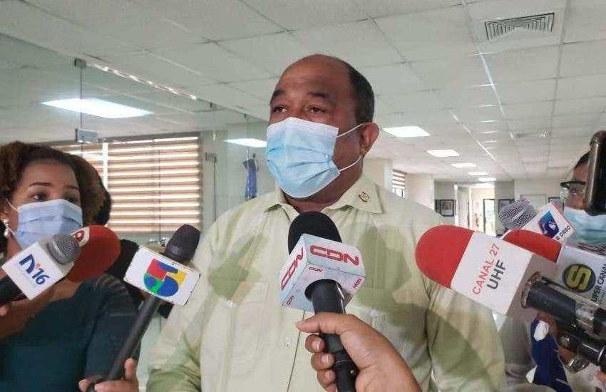Senador pide sustituir a director y vocero de la PN por constantes maltratos durante toque de queda