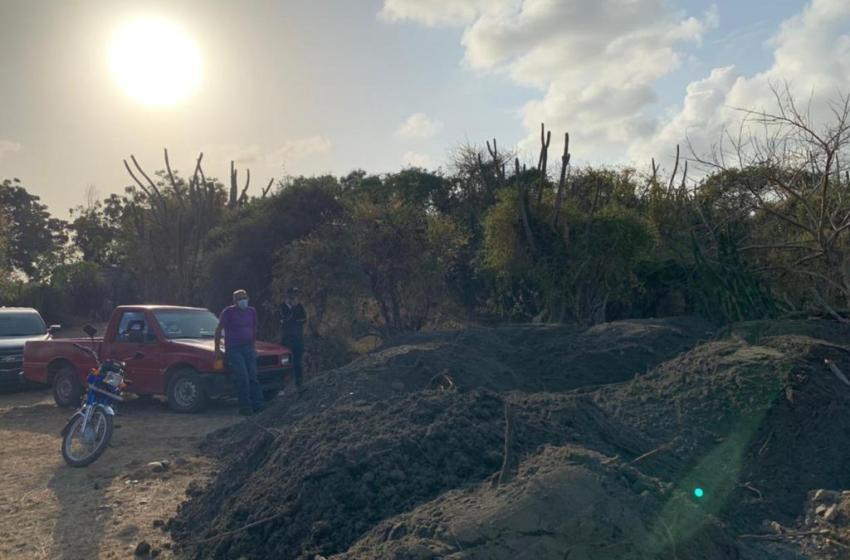 Medio Ambiente somete a la justicia a hombre por extracción de arena en zona costera de Baní