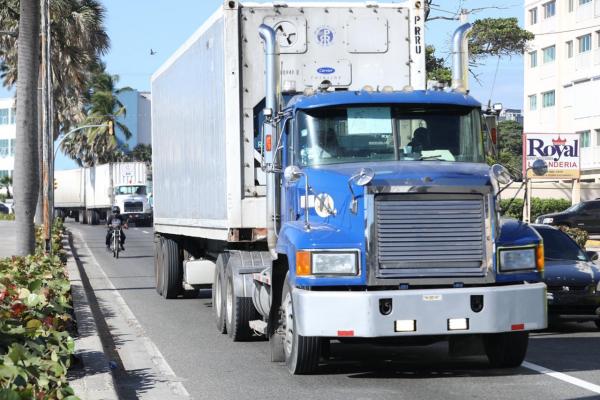 INTRANT prohíbe circulación de vehículos de carga en Semana Santa