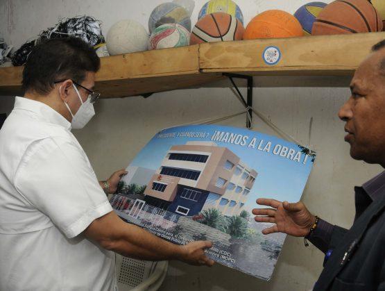 Camacho anuncia el primer Centro Comunitario Deportivo en Capotillo