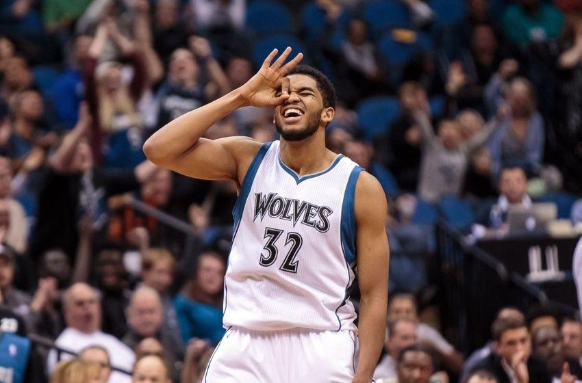 Towns logra doble doble en triunfo Wolves