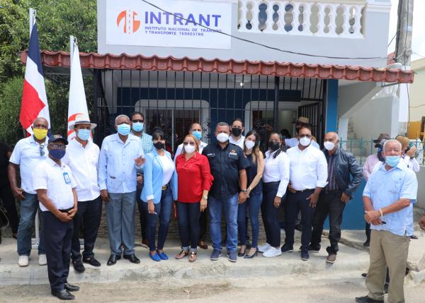 INTRANT inaugura oficina de servicios en Elías Piña