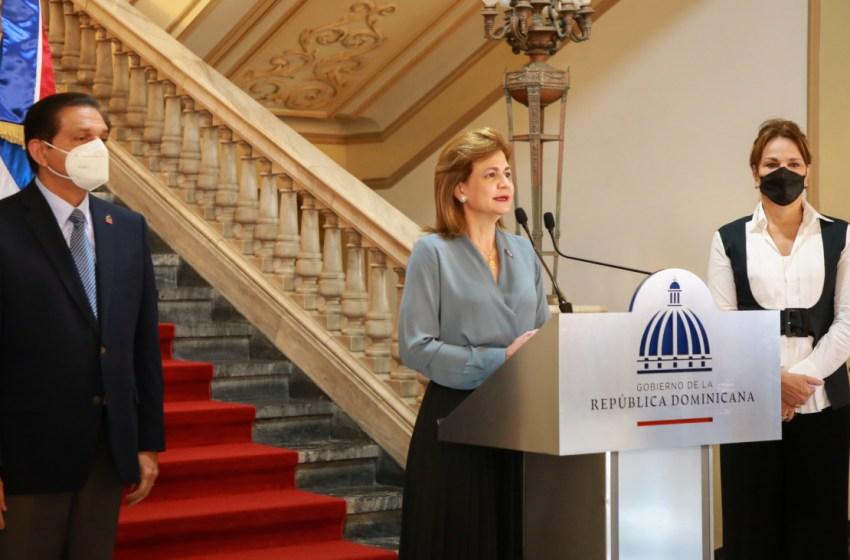 Vicepresidenta y ministro de Salud Pública y Asistencia Social anuncian ampliación de VacúnateRD