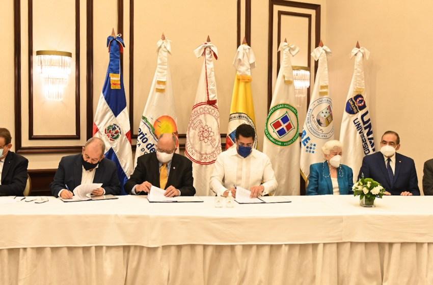 Turismo firma acuerdo de veeduría con universidades para garantizar más transparencia