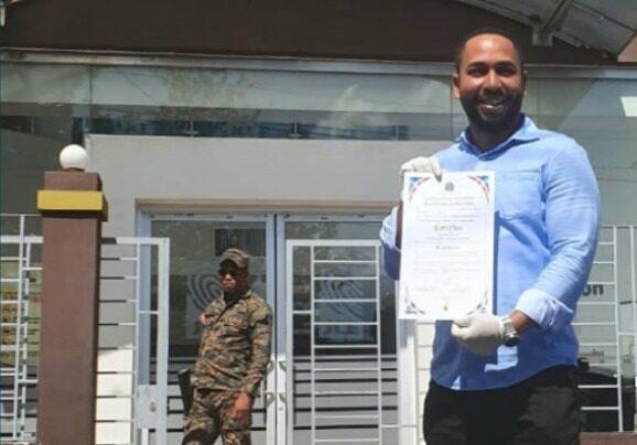 Regidor Jovanny Adames renuncia del PRD