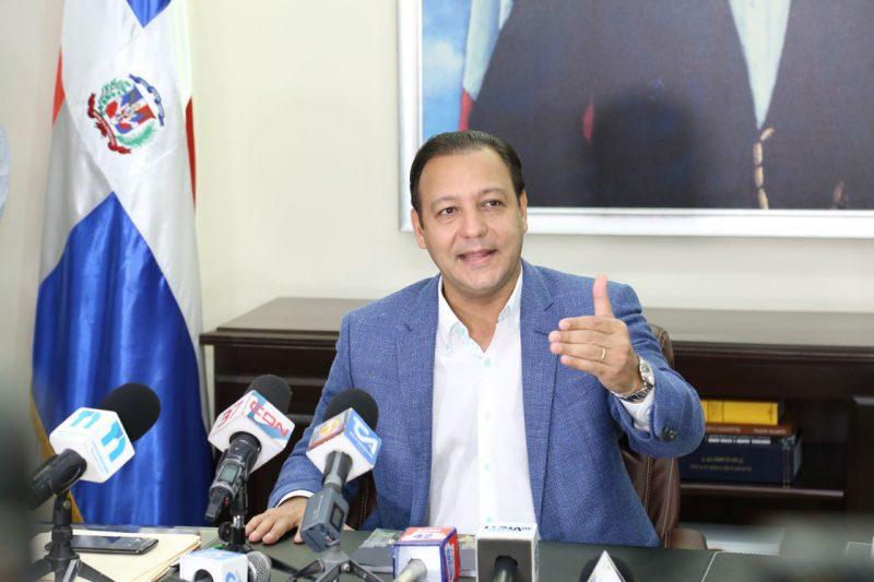 Abel Martínez exige se proteja la producción nacional de cerdos y llamó a definir un plan