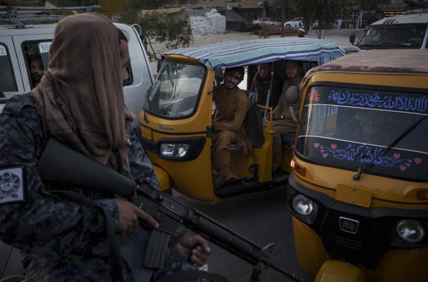 Ataques del EI contra Talibán indican posible conflicto