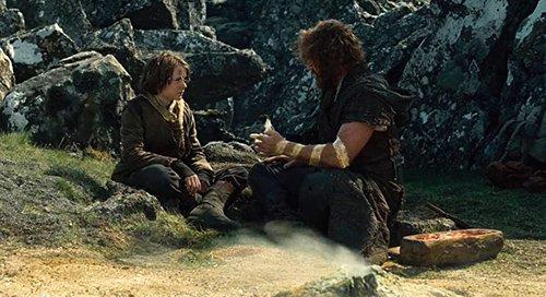 Em uma das primeiras cenas do filme, vemos um jovem Noah sendo dado um juramento sagrado por seu pai. Os espectadores devem ser imediatamente comunicadas a idéia de que Deus favorece uma única linhagem.