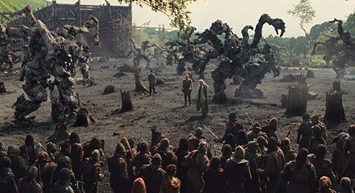 Noah is aided by a bunch of big monsters made of rock called the Giants. Many viewers were put off by the Lord of the Ring-type of fantasy CGI addition.