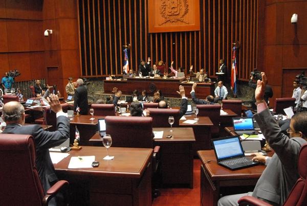 El Se¬nado aprobó otro contrato de préstamo por US$50 millones, para ser utilizado en el proyecto del Plan Decenal de Educación.